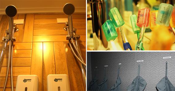Cafofo Organizado: Ducha dupla, escovas com nome, saco para roupa suja com nome na parede.